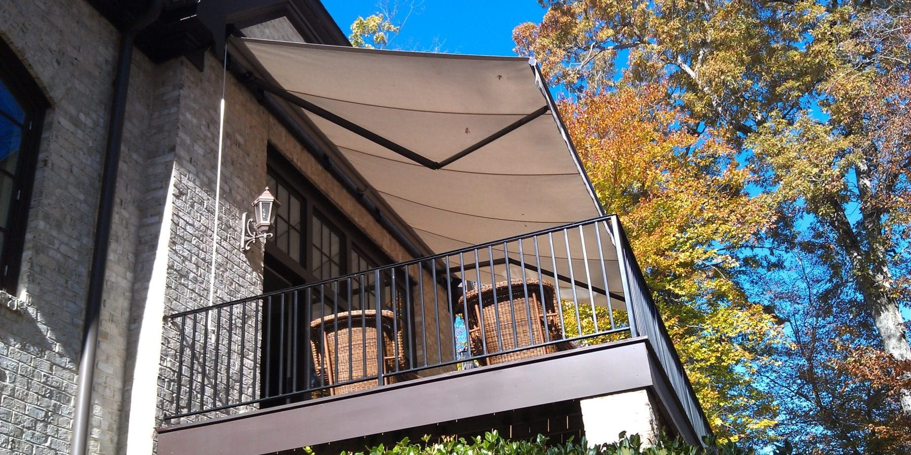 Retractable awnings are designed to fold or roll back when not in use. The retraction may be manual or motorized. Sensors, remote controls, and buttons switches are used to operate the motorized options. These popular outdoor coverings are available in different fabrics. Some common choices include solution-dyed acrylic and vinyl-coated fabrics.